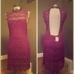 Free People GORGEOUS Maroon Lace Plunging Back 👗